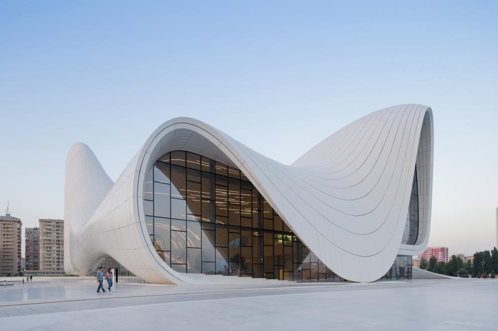 Zaha-Hadid-Heydar-Aliyev-Center-foto-Iwan-Baan-1.jpg