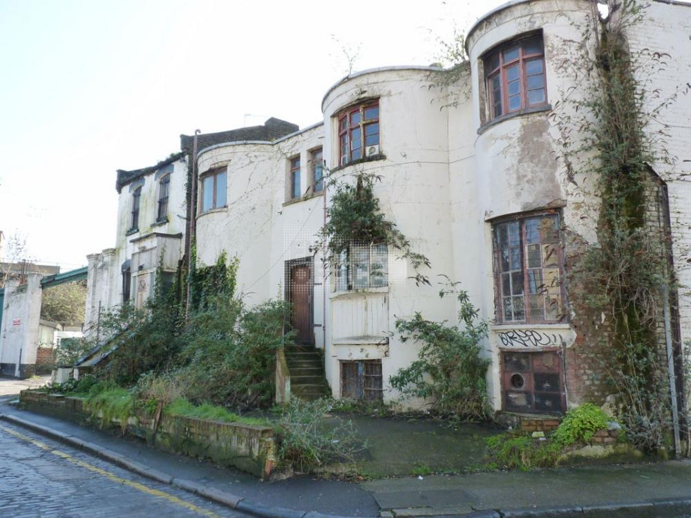 edificio-abbandonato 1.jpeg